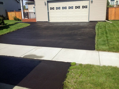 Driveway Sealing Extends the Life of Asphalt