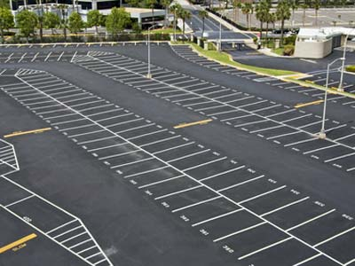 Commercial-Parking-Lot-Striping