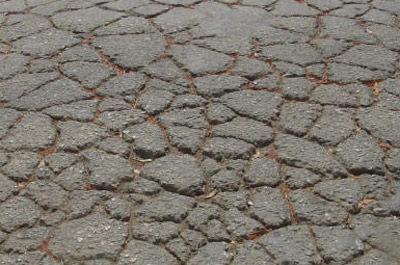 Damaged-Asphalt-Can-Be Repaired